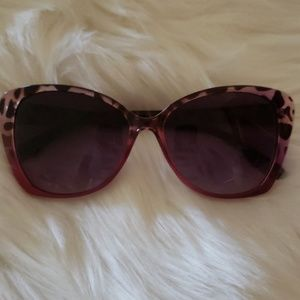 Loved BetseyJohnson pink/purple leopard sunglasses